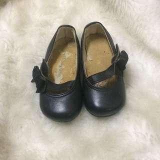 preloved baby shoes (trudy & teddy)