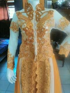 gaun pengantin cantik.org jahit tetepi batal.msh baru ya size m-L bagus cantik banget jual 1 jt 800 aj