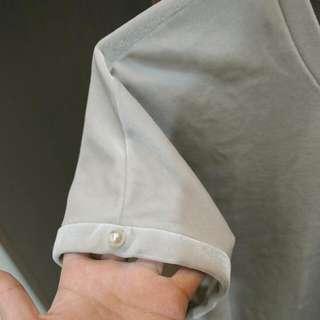二手極新轉賣專櫃品牌giordano Ladies銀灰珍珠絲絨短袖上衣