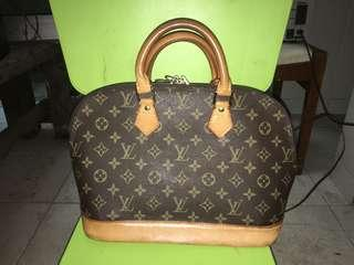 Louis Vuitton Alma Authentic