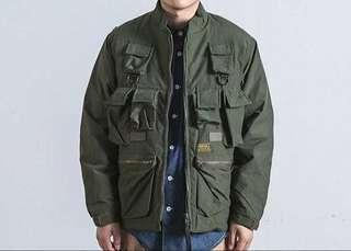 🚚 軍裝風格多口袋外套