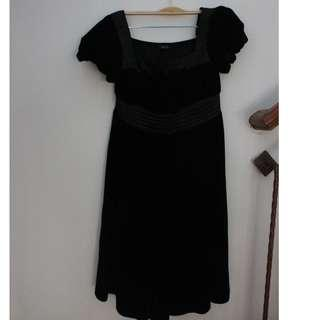 Dress formal bahan beludru