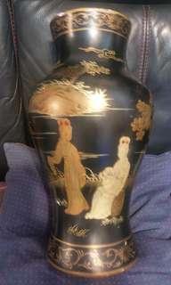 高44cm手繪描金仕女漆瓶(有碰損)