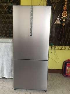 Panasonic 14.4 cu ft refrigerator