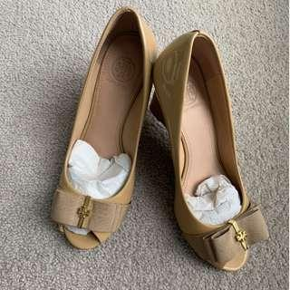 Tory Burch Shoes Wedge Nude colour in great condition