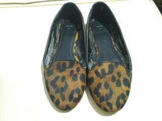 Sepatu mango