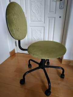 有轆凳 Chair with wheels PINK/GREEN