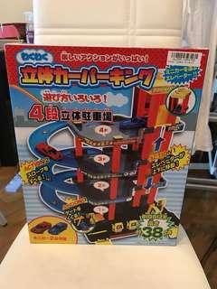 (清貨價)日本直送 4層停車場 玩具 約38cm高