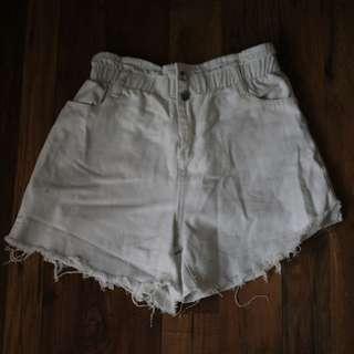 Paperbag white denim shorts
