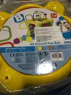 全新B kids 立方體多面發聲玩具, 訓練小肌肉