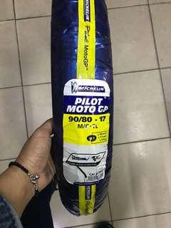 TYRE MOTOCYCLE