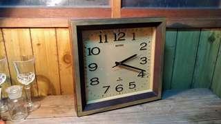 Rhythm方型時鐘—古物舊貨、早期民藝時鐘收藏