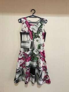 GTWFAB floral dress