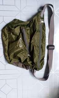 全新mont-bell 孭袋