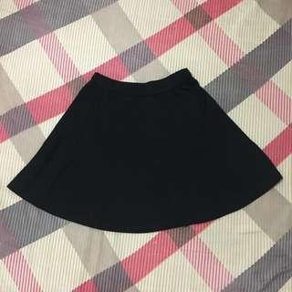 Flare skirt rok hitam/black
