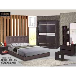 NEW 49013 QUEEN BEDROOM SET