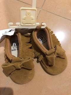Baby Gap 軟底鞋