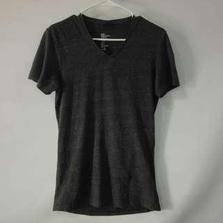 (S-M) H&M Ladies v-neck in almost looks new conditions