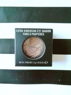 MAC Extra Dimension Eyeshadow in Silver Dawn