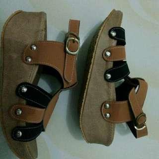 Sepatu wanita msh baru nihh