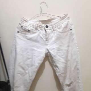 Jeans putih/white