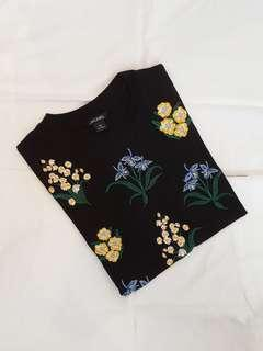 Monki flower tee (black)