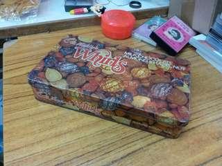 Vintage 吉百利朱古力鐵盒