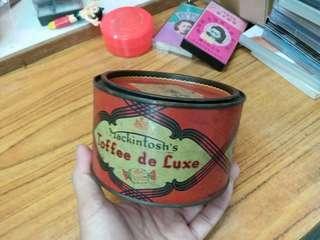 老舊 英國糖果鐵罐/鐵盒~(花街同公司)