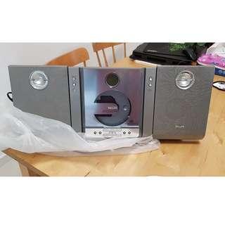 Philips micro Hi-fi system MCM240 (CD player + radio)