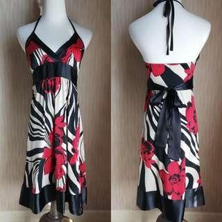 Forever21 V-neck Floral Dress