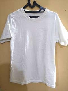 Kaos Putih UTees Preloved