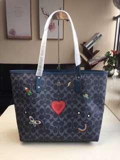 COACH 24592 新款愛心托特包 刺繡款 子母包 可雙面使用 可肩背 附購證