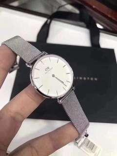DANIEL WELLINGTON AUTHENTIC WATCH