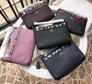 COACH 22251 22252 全皮斜跨包 搭配可拆零錢袋 肩帶可調整 附購證