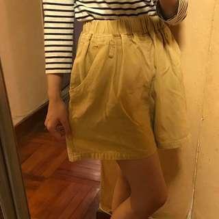 女裝杏色闊身高腰象根腰短褲