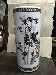 Vase made of porcelain