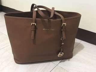 SALE!!!! 1000 PESOS OFF!!! Authentic - Michael Kors Jet Set Travel Tote