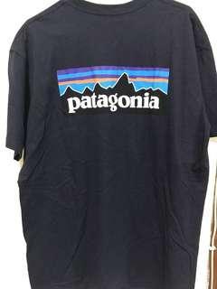 Patagonia 深藍 L號 短袖上衣