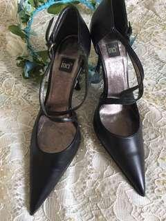 Black stilettos from France/free sf