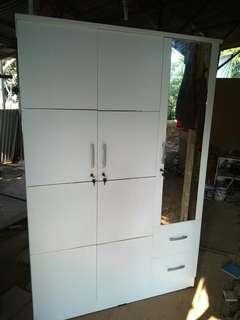 Lemari Baju Pintu 3,pintu 2 gantungan besi