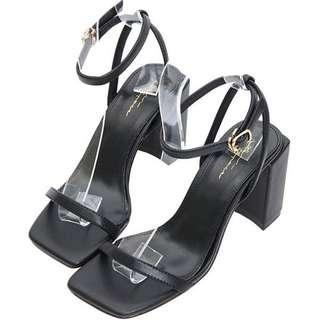 air space 黑色一字帶跟鞋