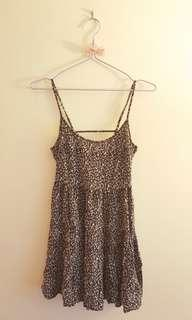 Tiered floral open back dress *H&M*