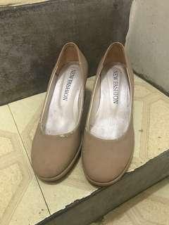 粗根高跟鞋