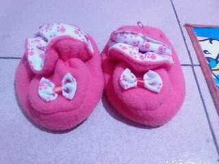 Sepatu bayi 0-6 bulan