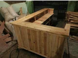 Meja bar (perlengkapan usaha)
