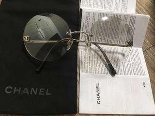 深度內涵!稀有絕版!Chanel 香奈兒 香奈爾 vintage 古董圓形無邊框 鍍水銀鏡面漸層鏡片、銀鏡腳,有雙c logo 太陽眼鏡!美炸 文青也可以時尚!無性別限制 !原價2萬多