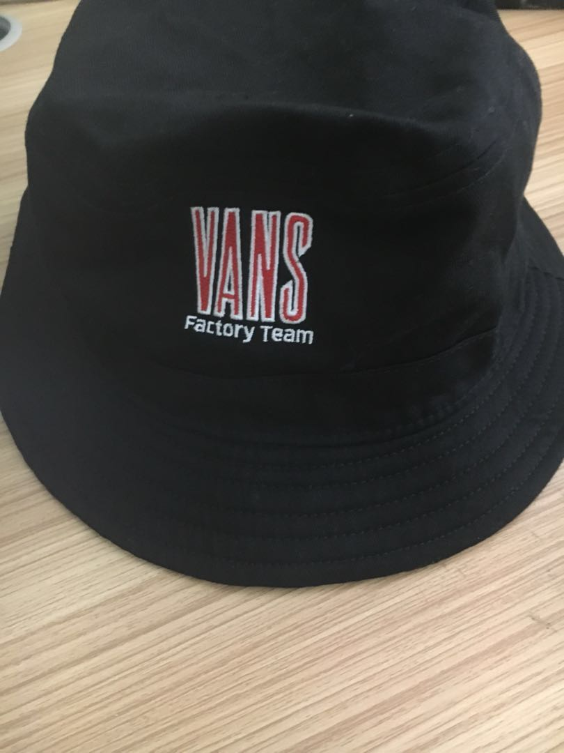 Authentic Vans Factory Team checkered bucket hat d0f7251dae07