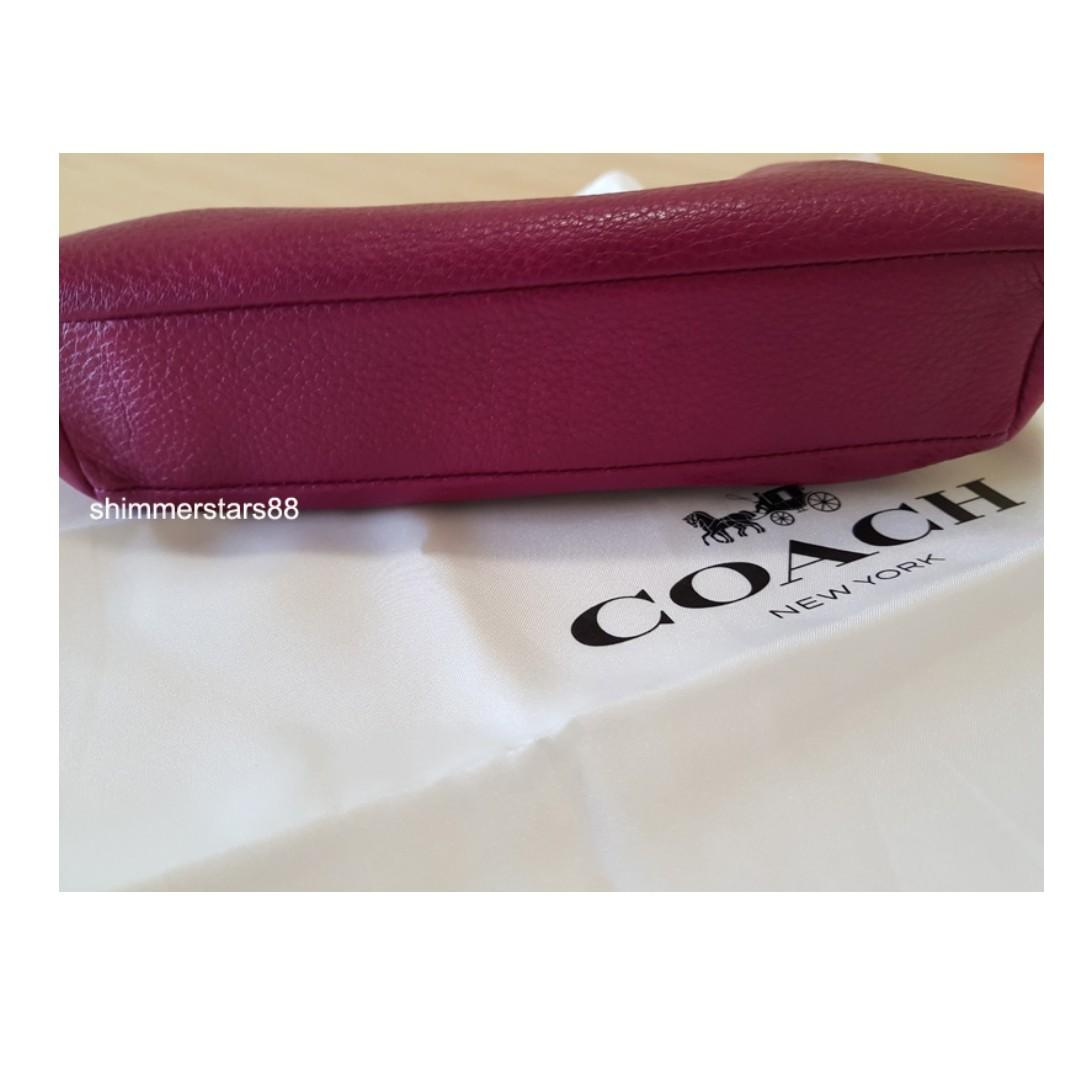 🔥Price drop!Coach Pebbled Leather wristlet, pouch,make up bag RRP$195