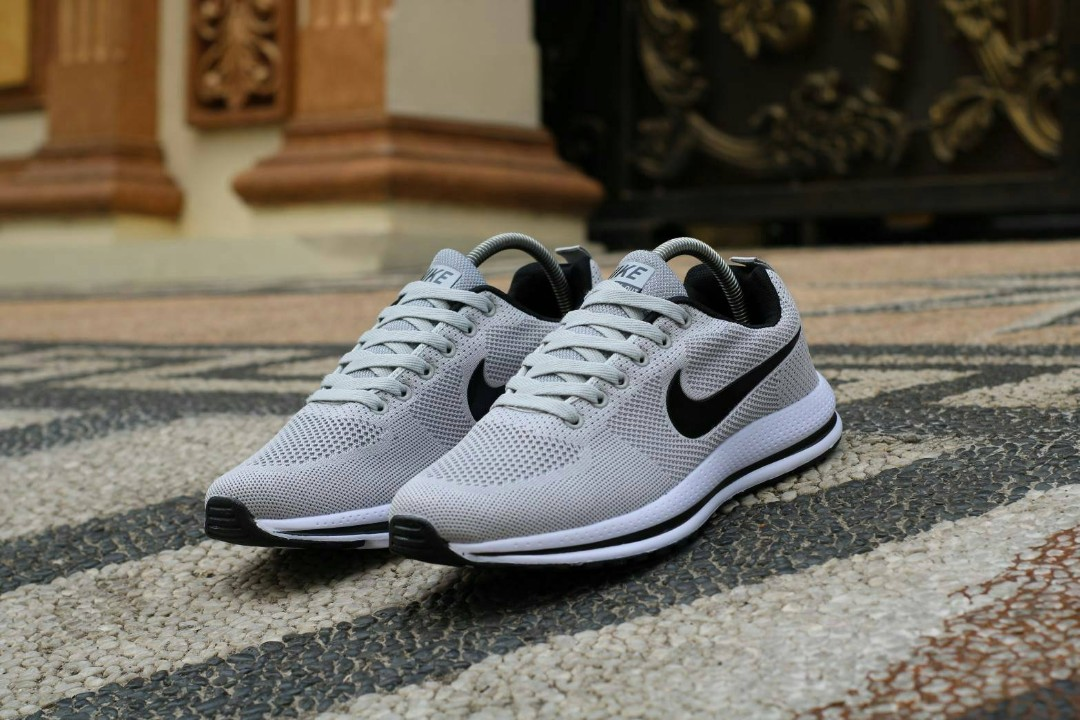 7a2162362b88c IMPORT Nike Zoom Man