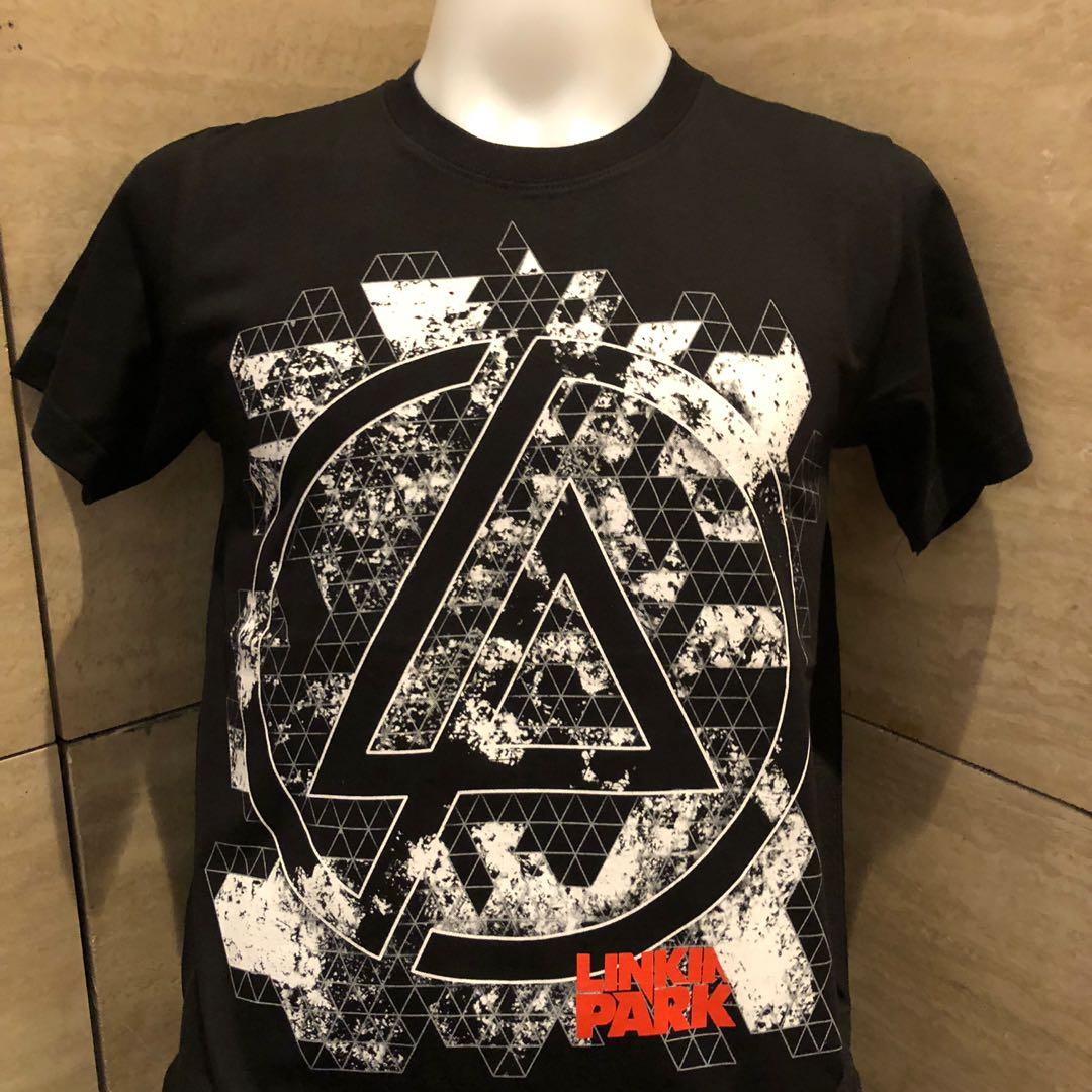 562bc1062 Linkin park rock t shirt LP, Men's Fashion, Clothes, Tops on Carousell